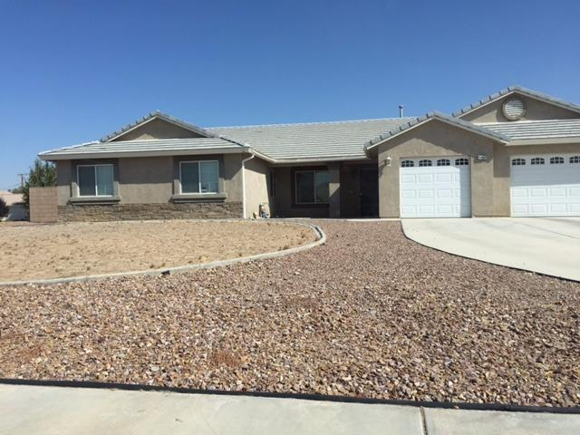 21156 Cabernet Ln, Apple Valley, CA 92308