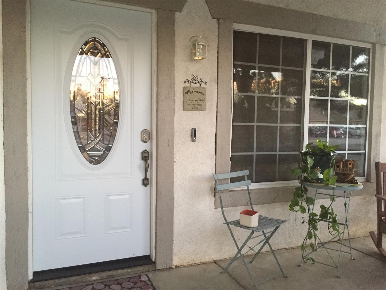 10805 Dove Lane, Adelanto, CA 92301