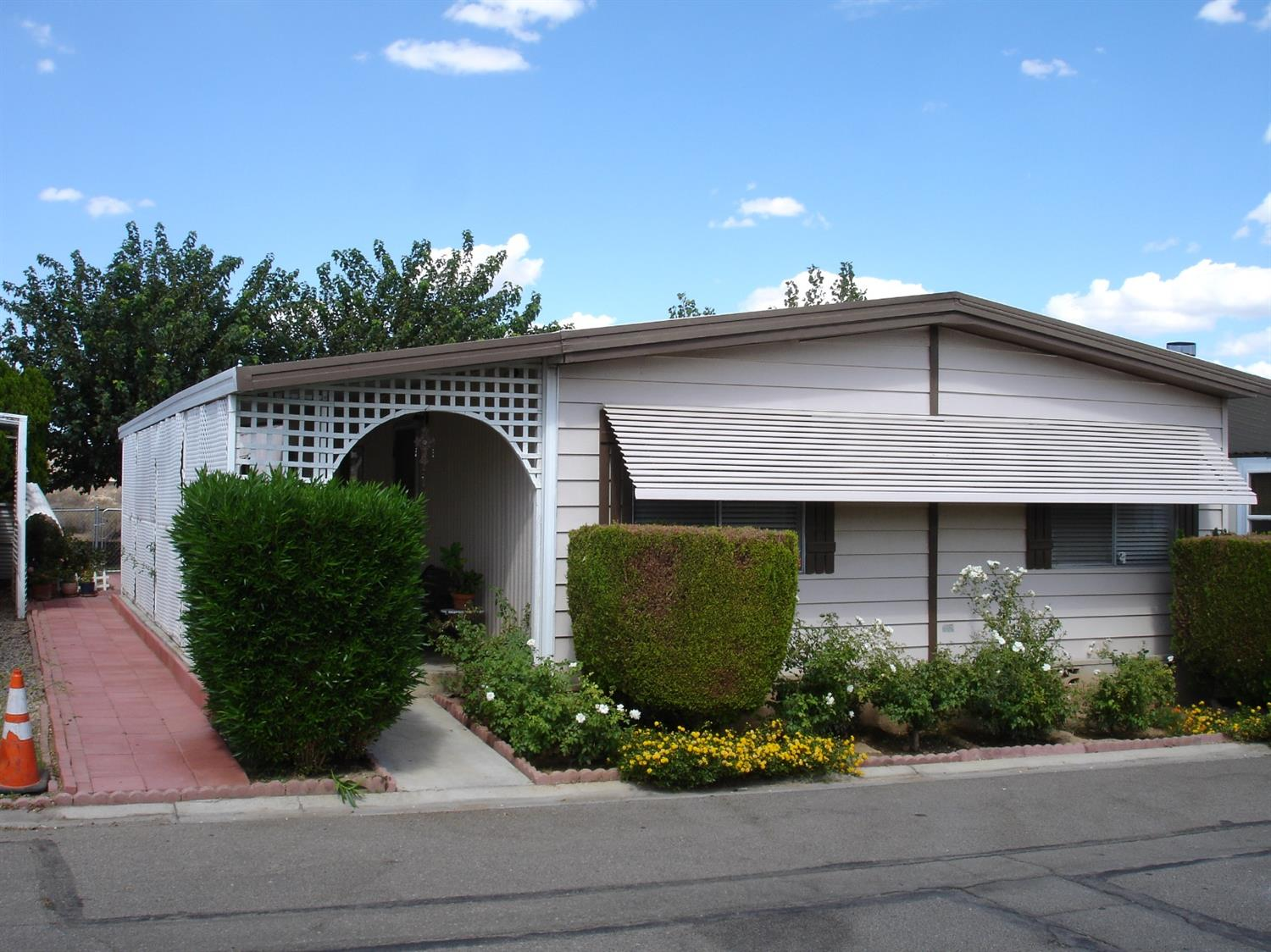 20683 Waalew Road #B189, Apple Valley, CA 92307
