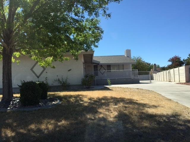 13176 Schooner Dr, Victorville, CA 92395