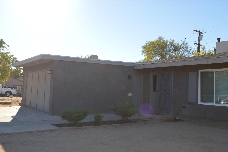 16247 Live Oak Street, Hesperia, CA 92345