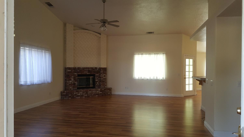14495 Schooner Drive, Helendale, CA 92342