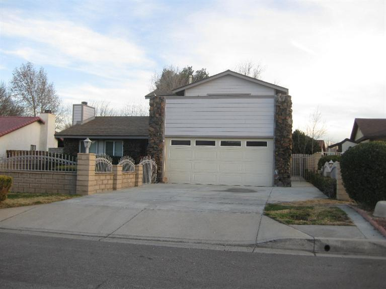 13325 Country Club Drive, Victorville, CA 92395