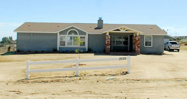 3575 Percheron Ln, Phelan, CA 92371