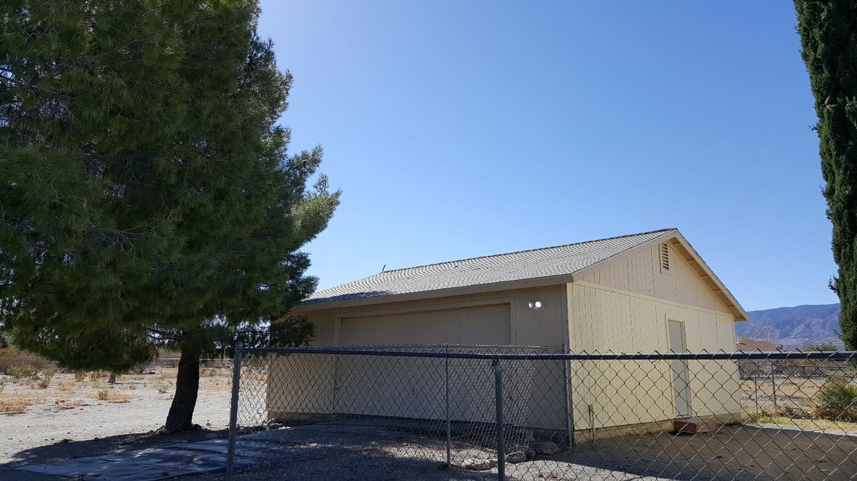 2775 Duncan Road, Phelan, CA 92371