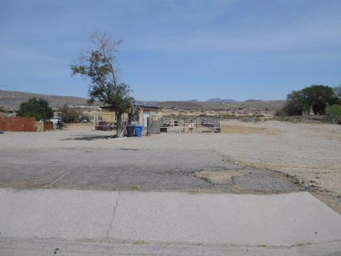 1787 Riverside Dr, Barstow, CA 92311