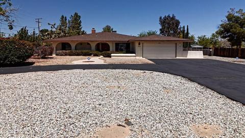 20318 Sitting Bull Rd, Apple Valley, CA 92308