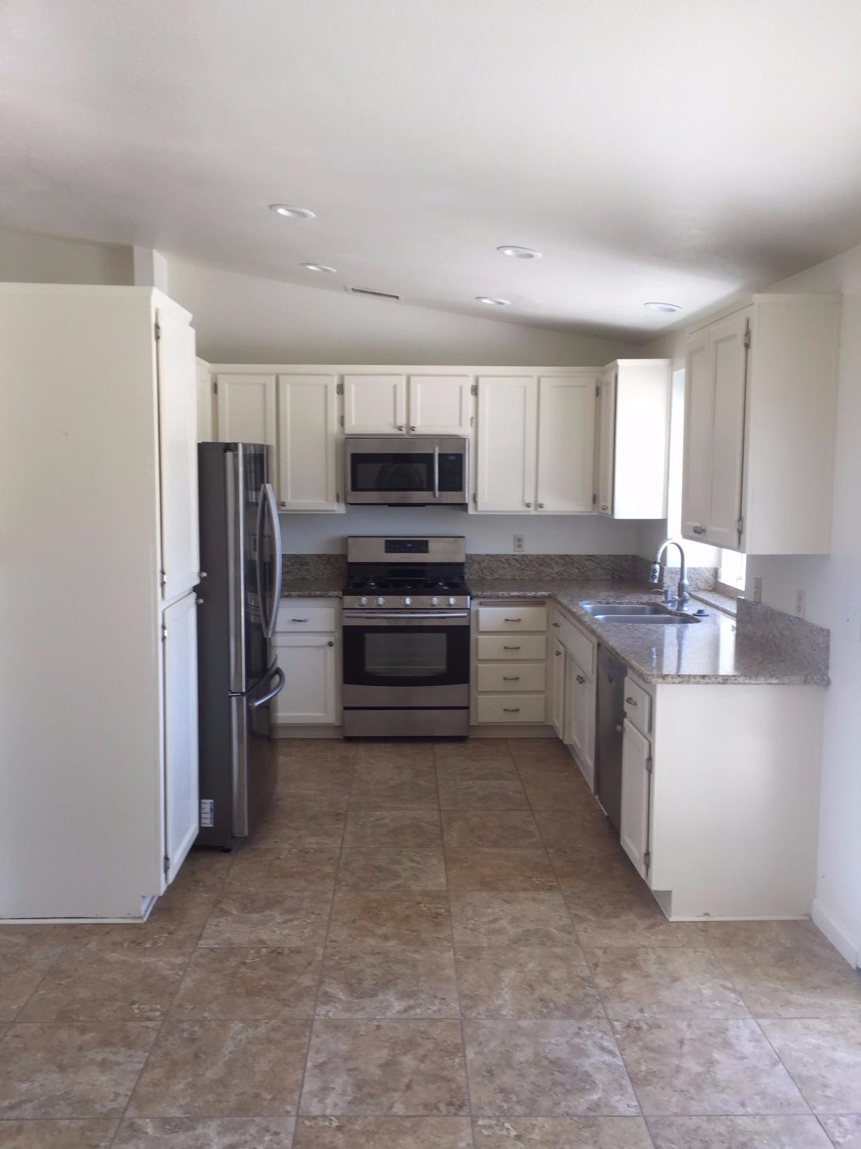 Apple Valley Kitchen Cabinets Undisclosed Apple Valley Ca 36 Photos Mls 485574 Movoto