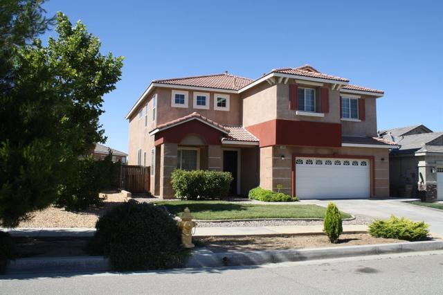 13498 Bentwood St, Oak Hills, CA 92344