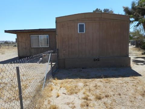 9889 Falcon Rd, Lucerne Valley, CA 92356