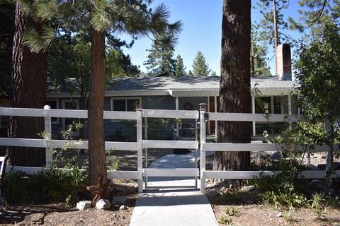 1708 Blackbird Rd, Wrightwood, CA 92397