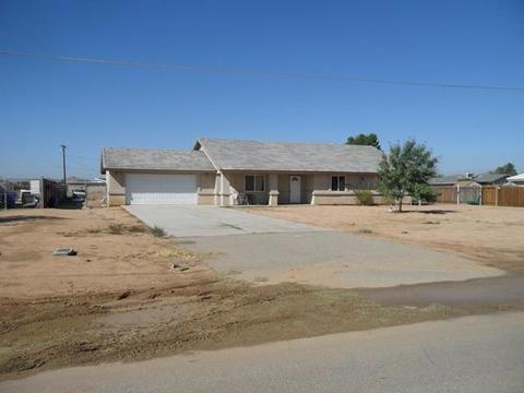 14990 Nanticoke Rd, Apple Valley, CA 92307