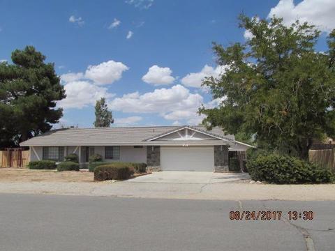 18062 Mondamon Rd, Apple Valley, CA 92307