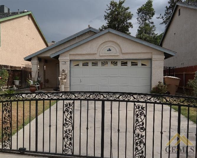 1125 Kyner Avenue, Bakersfield, CA 93307