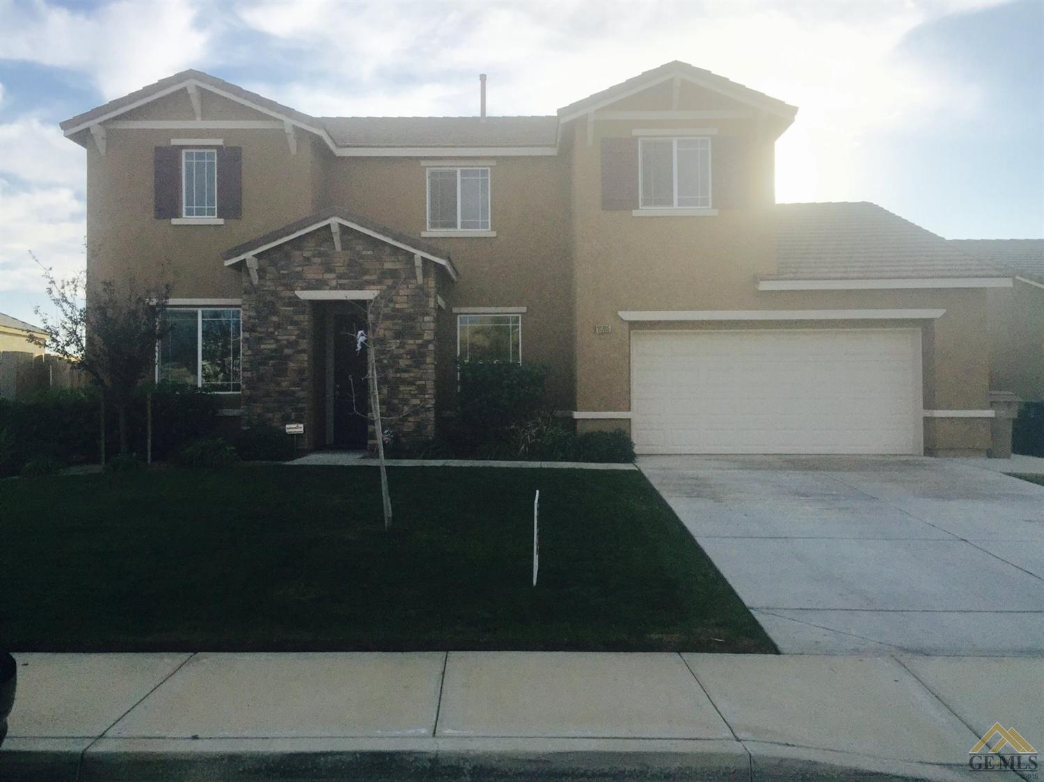 10705 Stone Haven Dr, Bakersfield, CA 93306