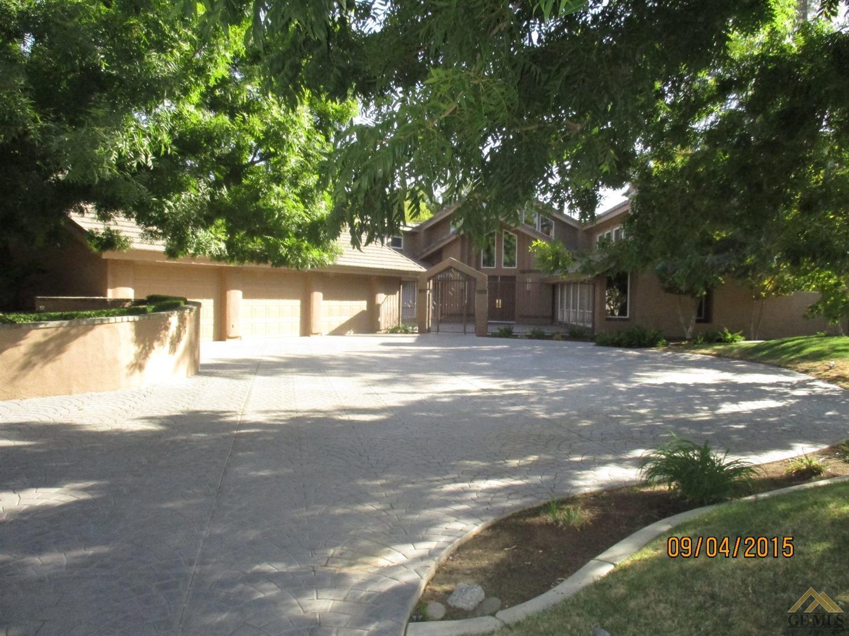 6300 De La Guerra Terrace, Bakersfield, CA 93306