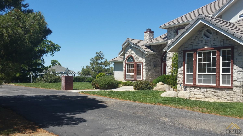 30360 Hart Oaks Drive, Hart Flat, CA 93531