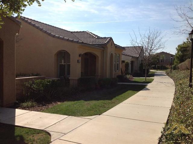 10204 Oldham Ln, Bakersfield, CA 93306