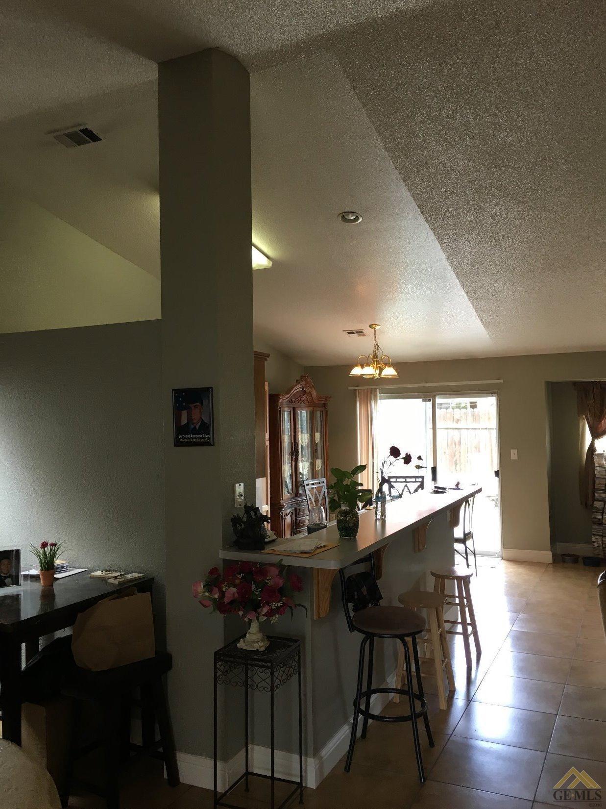 1816 Verbena Drive, Bakersfield, CA 93304