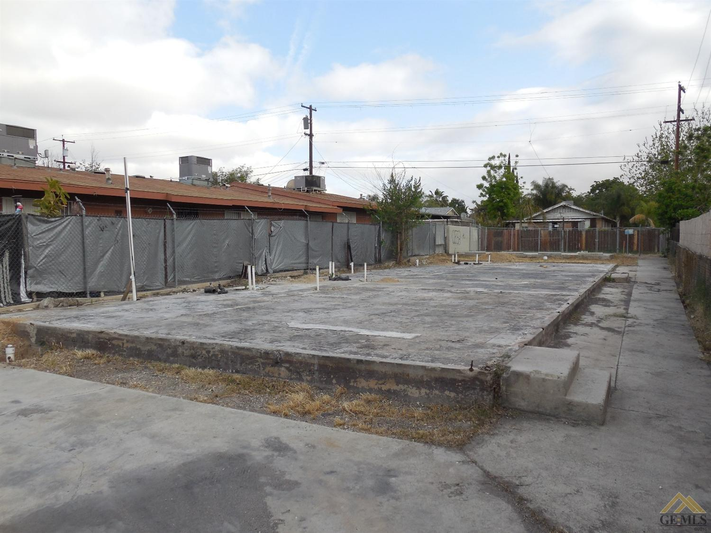 1026 E Quincy Street, Bakersfield, CA 93305