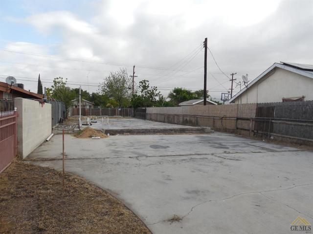 1026 E Quincy St, Bakersfield, CA 93305