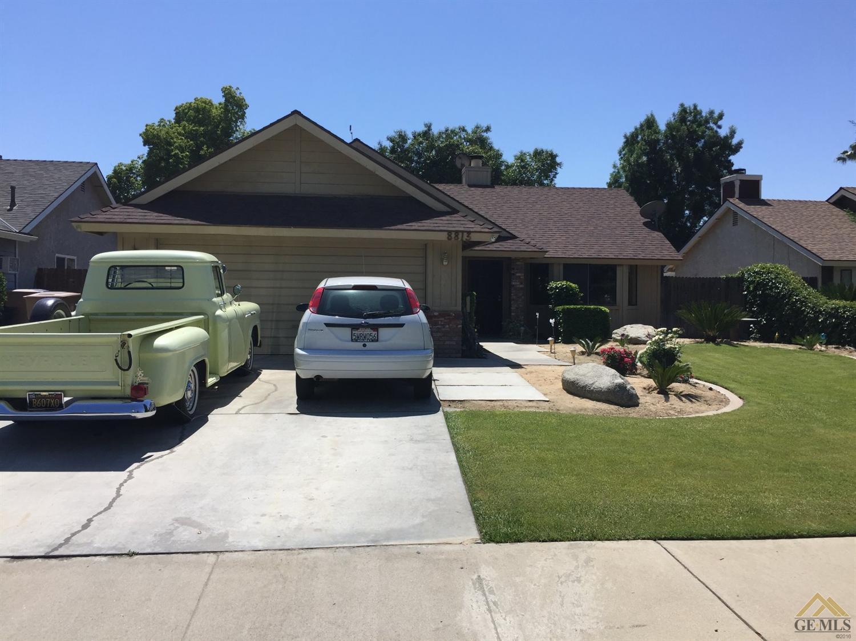 8813 District Boulevard, Bakersfield, CA 93311