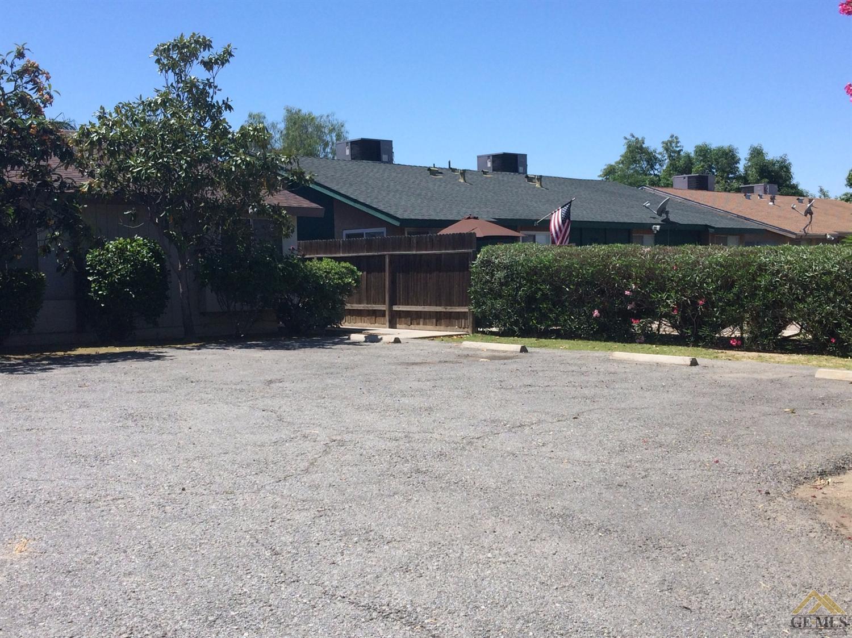 205 Universe Avenue #A&B, Bakersfield, CA 93308