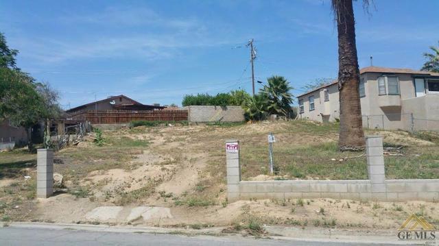 1518 Bernard Pl, Bakersfield, CA 93305