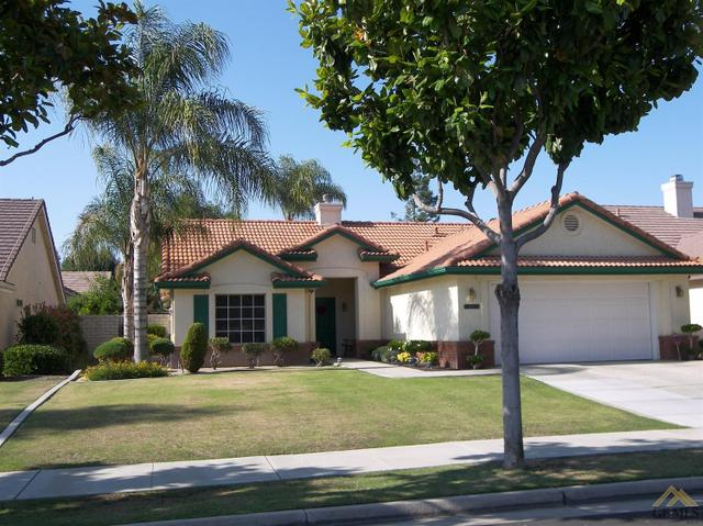9800 Cinderella Ave, Bakersfield, CA 93311
