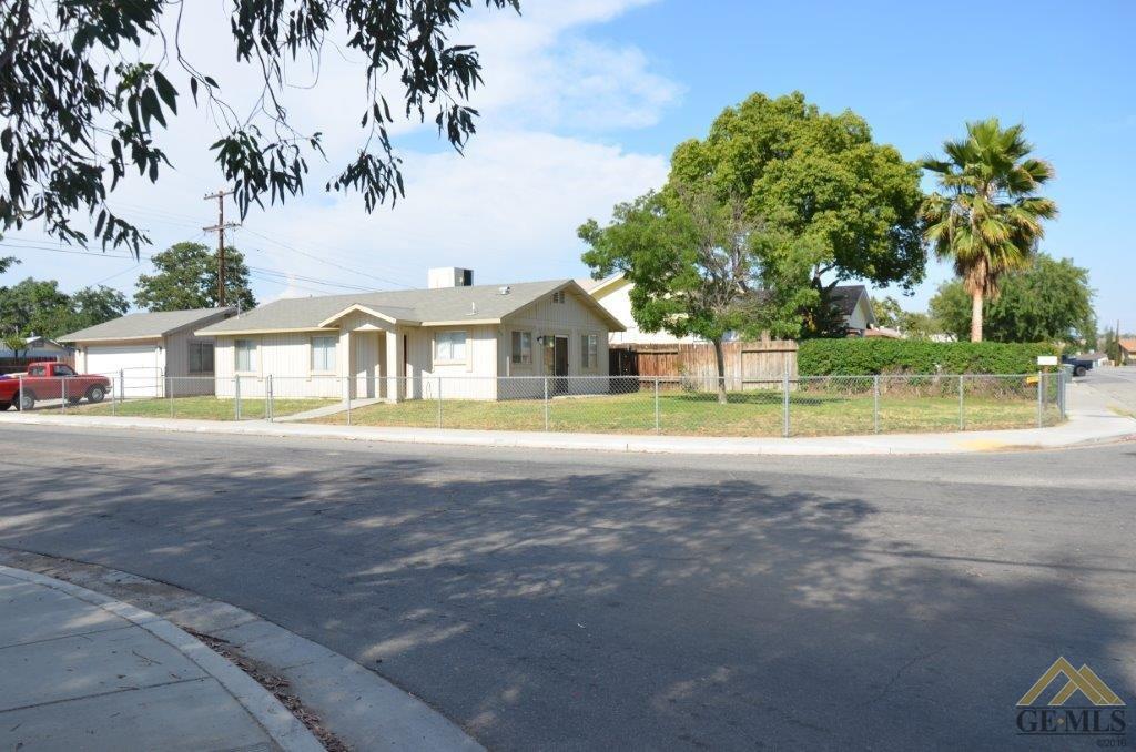 200 E Roberts Lane, Bakersfield, CA 93308