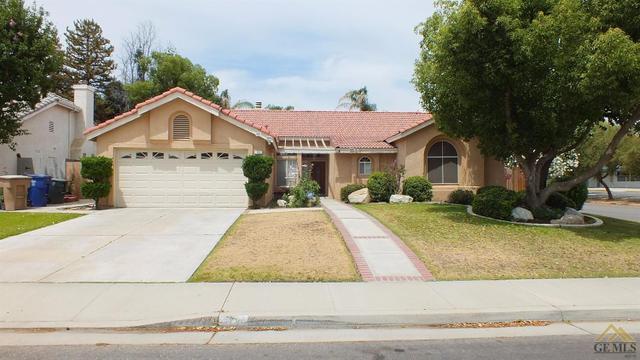 701 Mazatlan Dr, Bakersfield, CA 93314