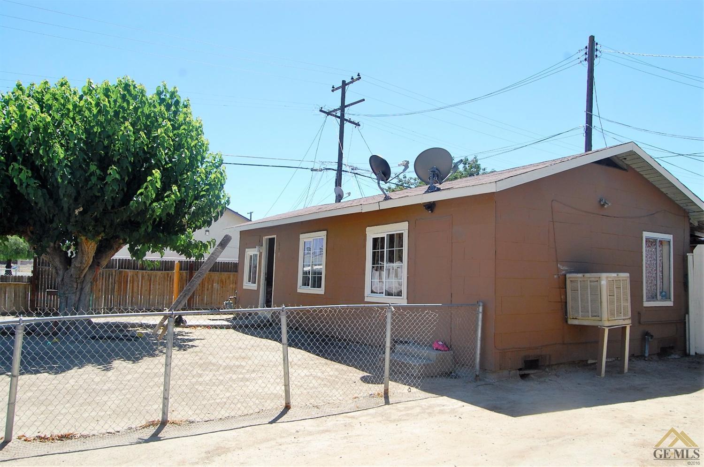 608 7th Ave, Delano, CA 93215