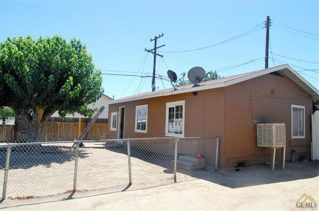 608 7th Ave, Delano, CA 93215