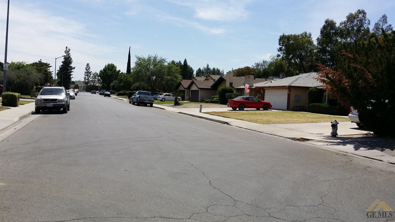 4417 Parkwood Court, Bakersfield, CA 93309