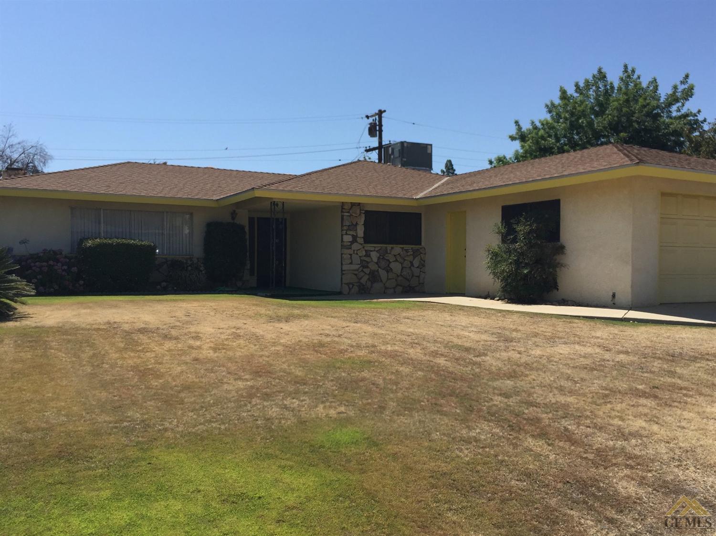 3706 Redlands Dr, Bakersfield, CA 93306