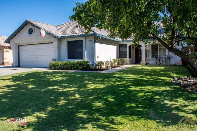 11710 Wrangler Dr, Bakersfield, CA 93312