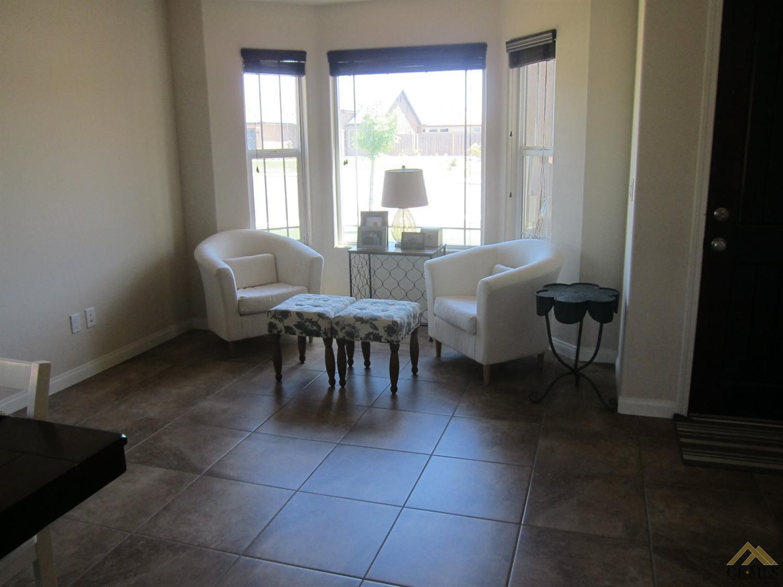704 Promenade Court, Shafter, CA 93263