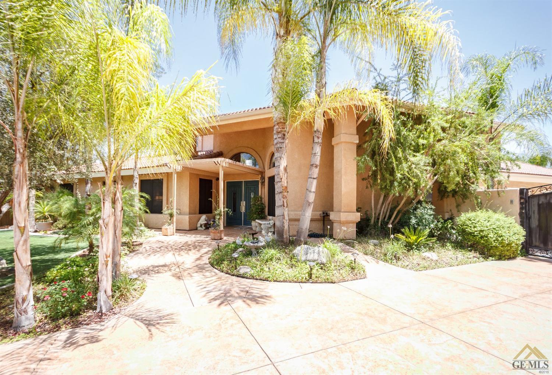5701 Round Up Way, Bakersfield, CA 93306