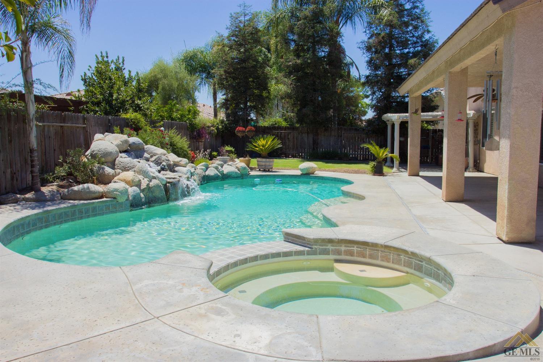 11019 Eagle Rock Drive, Bakersfield, CA 93312