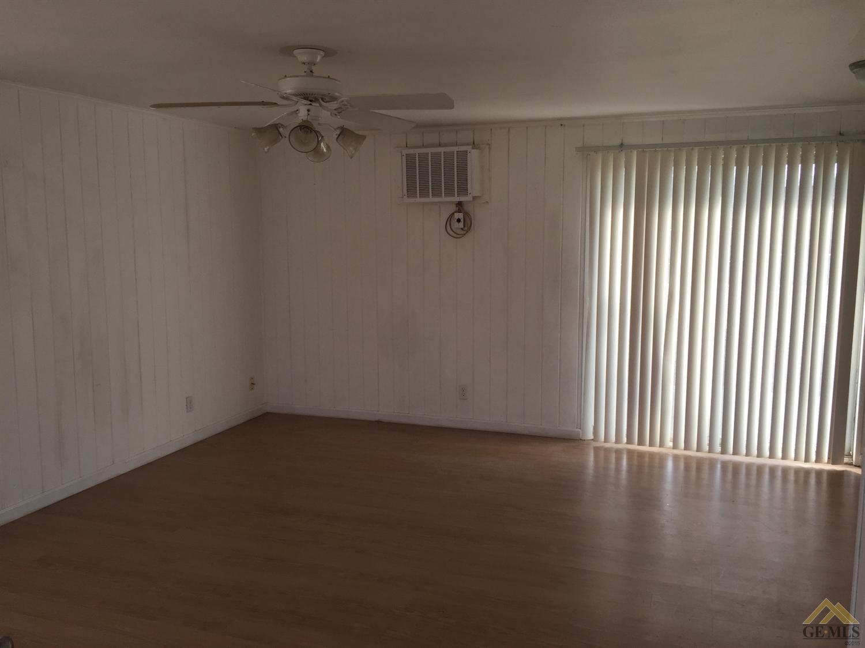 525 S Kern Street, Maricopa, CA 93252
