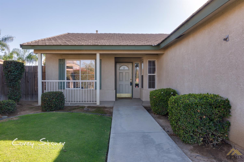 5323 Basilicata Drive, Bakersfield, CA 93308