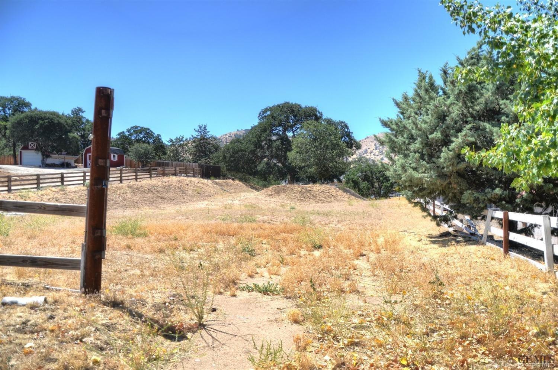 22113 Mariposa Road, Tehachapi, CA 93561