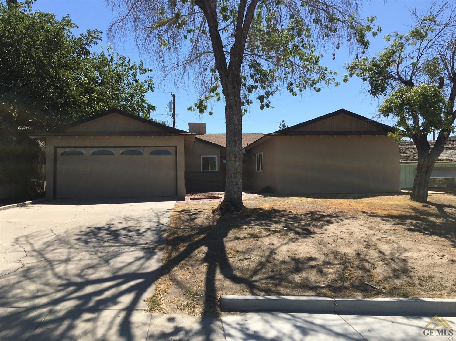 1731 Oswell St, Bakersfield, CA 93306
