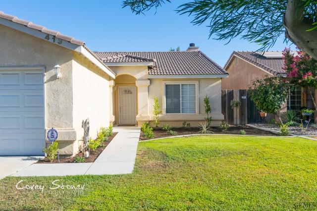 413 Dry Meadow Ln, Bakersfield, CA 93308