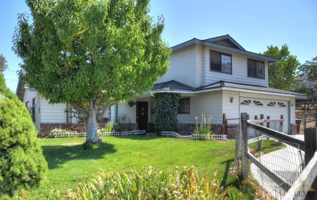 21400 Hacienda Dr, Tehachapi, CA 93561
