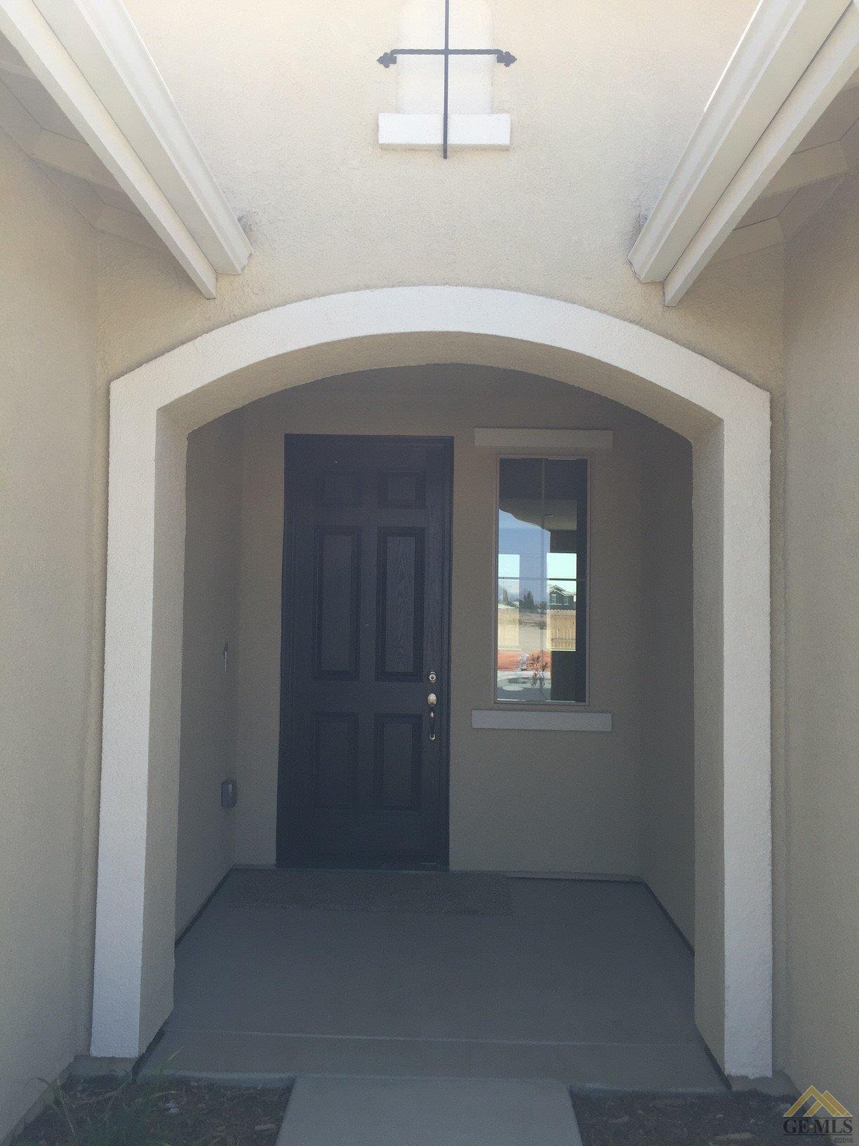 15101 Chatsworth Avenue, Bakersfield, CA 93314