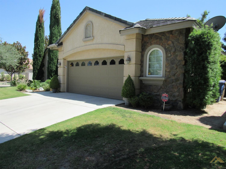 10101 Brigadoon Rose Street, Bakersfield, CA 93311