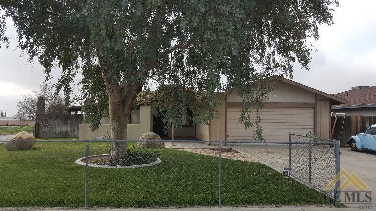 7017 Picasso Court, Bakersfield, CA 93306