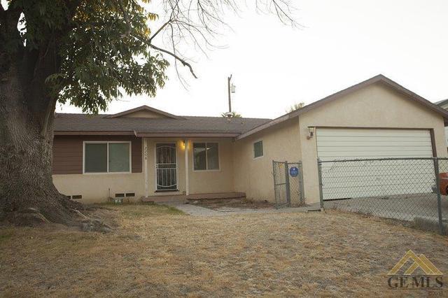 2208 Lynwood St, Bakersfield, CA 93306