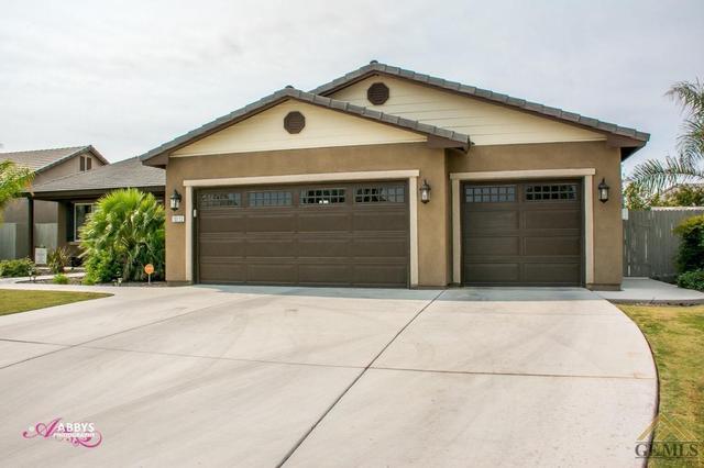 10113 Revere Beach Dr, Bakersfield, CA 93314